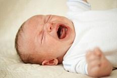 Xua tan nỗi kinh hoàng khi bé hay khóc đêm